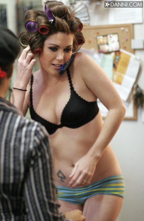 Aria Giovanni behind the scenes. Posted by Staff (01/09/2009 @ 6:14 pm)
