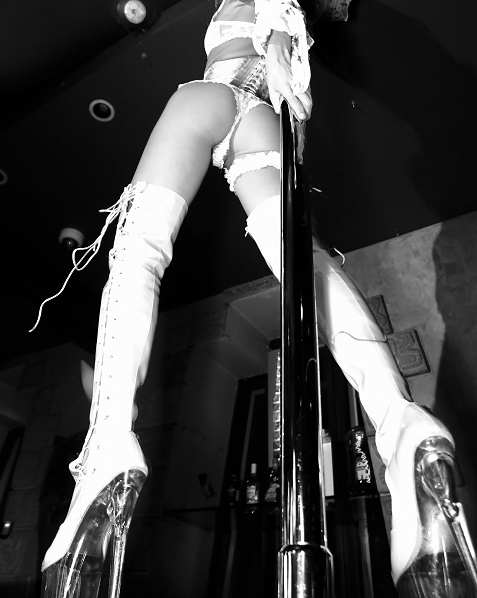 classic stripper heals pole
