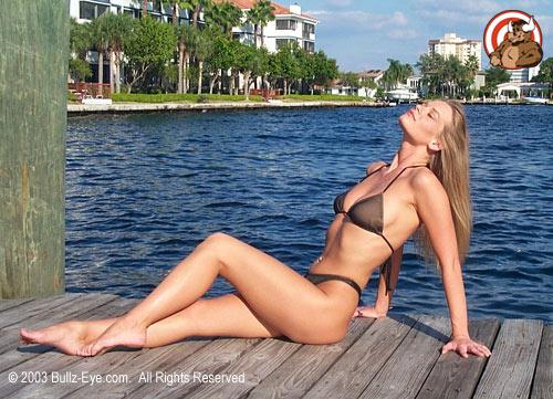 Tera in bikini